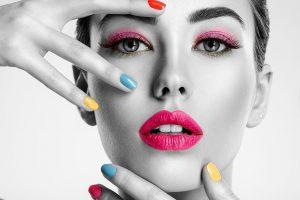 beautiful-fashion-woman-with-a-colored-nails-UFF9PQC (1)